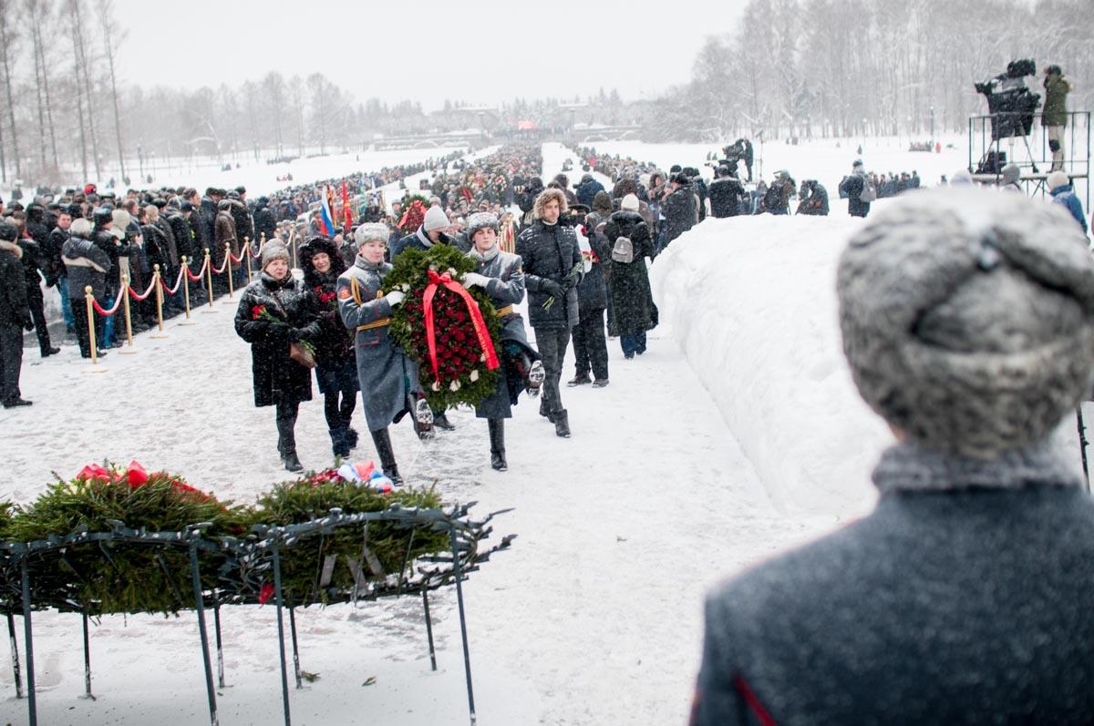 Возложение венка на Пискарёвском мемориальном кладбище. Январь2019